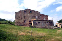Sunny farmhouse in the South of Le Marche.