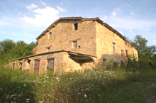 Old farmhouse set in the countryside around Smerillo