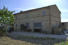 SOLD!!!!! Italian getaway just 500m from Carassai town centre.