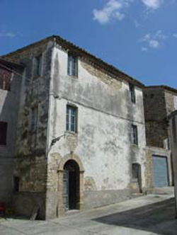 Beautiful ancient town house in one of the oldest villages in Le Marche
