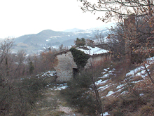 Large mountain property with beautiful views and close to the Sarnano Spas.