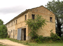 SOLD!!!Farmhouse to be restored on the hill. It is surrounded by large land and a short stroll from the closest village.