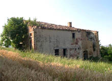 Bricks and stone farm house to be restored. Beautiful panoramic position and land around.